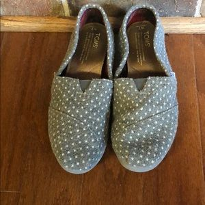 Grey Dot Toms